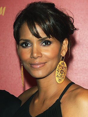 Halle Berry. Halle Berry Nude